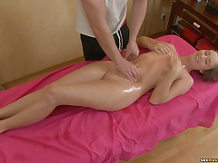 Pussy sex massage after classic rub-down