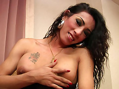 Oriental tranny Rosa blowing a load after good tug
