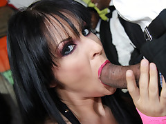 Chelsie Rae wears next to nothing as she services 8 of the luckiest black guys