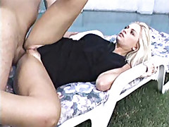 Blonde bitch gets her hungry bunghole fucked