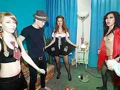 Girl in pantyhose enjoys threesome