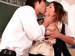 Yuna Shiina teacher is cornered in the class