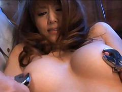 Akiho Yoshizawa gets nipples of her round boobs caught in claws