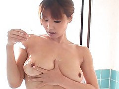 Ai Kurosawa shows us her beautiful tits and hard nipples