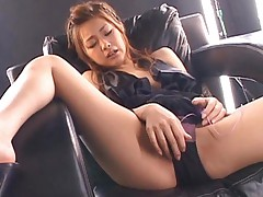 Suzuka Ishikawa takes hot scanty off to use mauve sex toy on cunt
