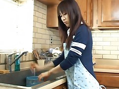 Akari Satsuki Asian taken from cooking to be deeply fucked on bed