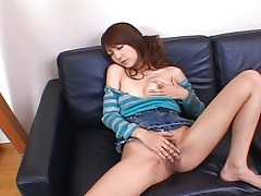 Kaede Matsushima licks her sex toy and gets it ready for pussy