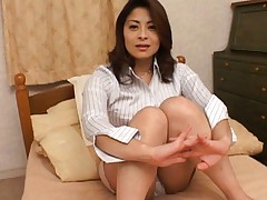 Reona Azabu plays with her pussy before the guys arrive