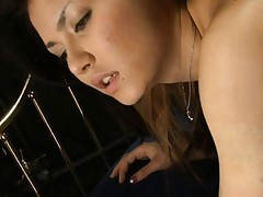 Maria Ozawa Asian with sexy ass up in the air has hot box rubbed