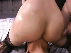 Yuria Satomi Asian in fishnet has slit licked while sucking dong