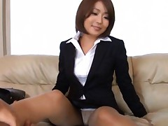 Yuna Hasegawa Asian in office suit rubs her pussy over stockings