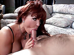 Housewife Sexy Vanessa wears a sexy lingerie getting fucked in many positions live