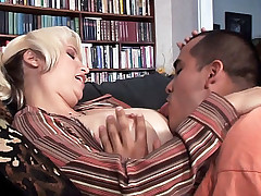 Housewife Sophia Mounds bends over the sofa having herself fucked from behind live
