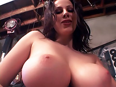 Big breasted whore Gianna gives a sensual deepthroat and gives her lover a sexy ride live