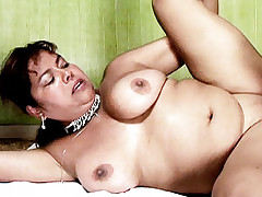 Massive BBW Carina Lusitana fondling with her boobs while a guy banged her in this live porn clip