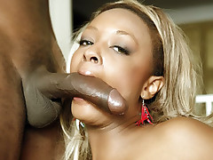 Lustful black chick Vixen Fyre welcome a hard schlong in her asshole after giving a memorable blowjob live