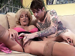 Housewife Lexi Carrington raises her feet getting her pussy licked by a tattooed guy live