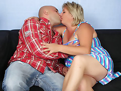 Blonde fat chick Sussana gets her juicy pussy fingered and pounded hard by her lover live