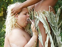 Sultry blonde BBW Cynthia down on all fours while a handsome dude pounds her doggy style live