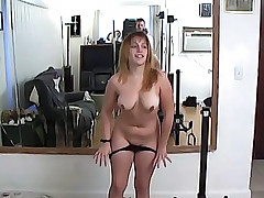 Curvy babe gets her wet pussy screwed until an orgasm