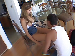 Teen Vanilla Skye gives her fuckbuddy a sinful blowjob and gets herself fucked hard live