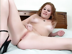 Sexy chick Cherry Poppens opts for a sexy solo and injects her cunt with an adult toy live
