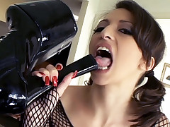 Wild lesbians Ava Devine and Veronica Jett lick pussies and blowjob strap on cocks live