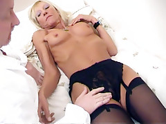 Slutty mature blondie Kay gives her horny lover a blowjob and later rides his hard cock live