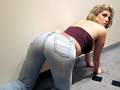 Cute blonde wearing a tight blue jeans sucks cock in 69 position