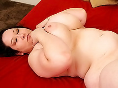 Half asian hottie having her plump pussy plugged