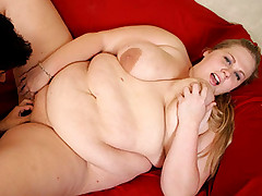 Blonde bbw having her pussy drilled on the sofa