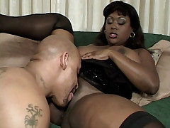Ebony babe Carmen Hayes slurping a black wang and taking it deep into her butthole