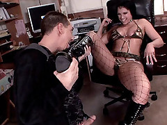 Nikki Hunter lets this guy savor her juicy slit and gave him his turn by sucking off his prick