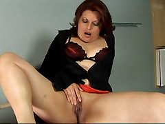BBW Suelen Monteiro lifts her leg up as she gets drilled hard from behind