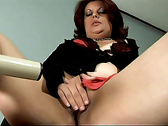 Chubby Mature Suelen Monteiro dishes out her experienced cock slurping and willing cunt
