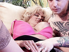 Blonde Milf Lexi Carrington gets her younger boyfriend to stick his tongue deep into her clit