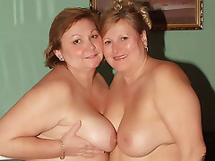 Hefty matures Anna and Yolanda show off their massive chunky rears and eating out pussies