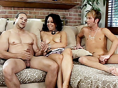 Horny babe Samantha Roxx made use of her strap on cock to bang two horny bisexual men