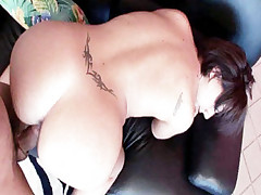 Horny babe Eva flaunts her smoking hot ass and gets hardcore man pipe laying in her rear hole