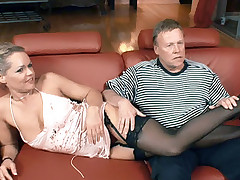 Horny wife Kelly Leigh loves to fuck younger guys on cam while her loving husband watches