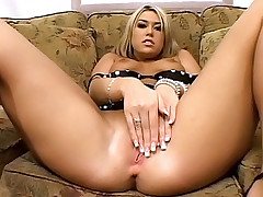 Blonde bombshell getting her poop hole pierced with dick