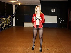 Blonde in ripped pantyhose fucked