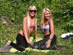 Pick up hunters found two gorgeous blondes